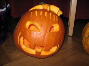 Anleitung-Kürbis-schnitzen-mit-Schnitzvorlagen-für-Halloween